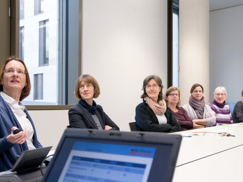 Wissensmanagement in der Besprechung © Krebsinformationsdienst, DKFZ